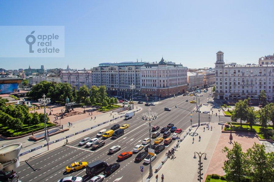 Вид из окна в 4-комнатной квартире по адресу Тверская ул. 19