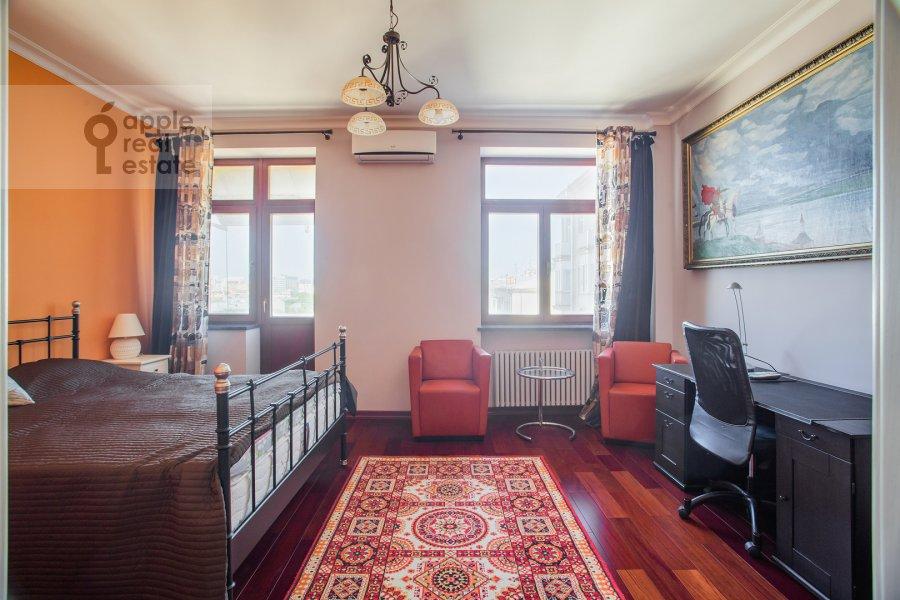 Спальня в 4-комнатной квартире по адресу Тверская ул. 19