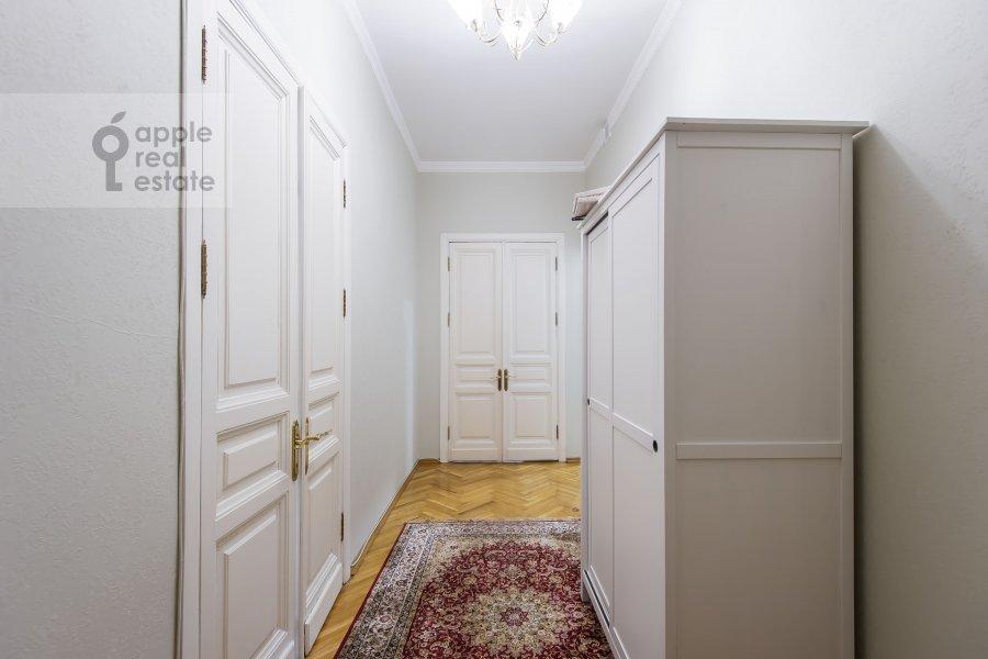 Corridor of the 3-room apartment at Dmitrovka Malaya ul. 29