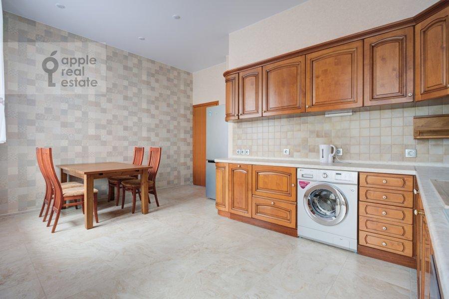 Kitchen of the 4-room apartment at Nikolaeva ul. 4