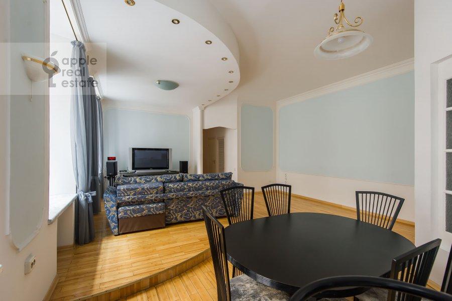 Гостиная в 3-комнатной квартире по адресу Гоголевский бульвар 23