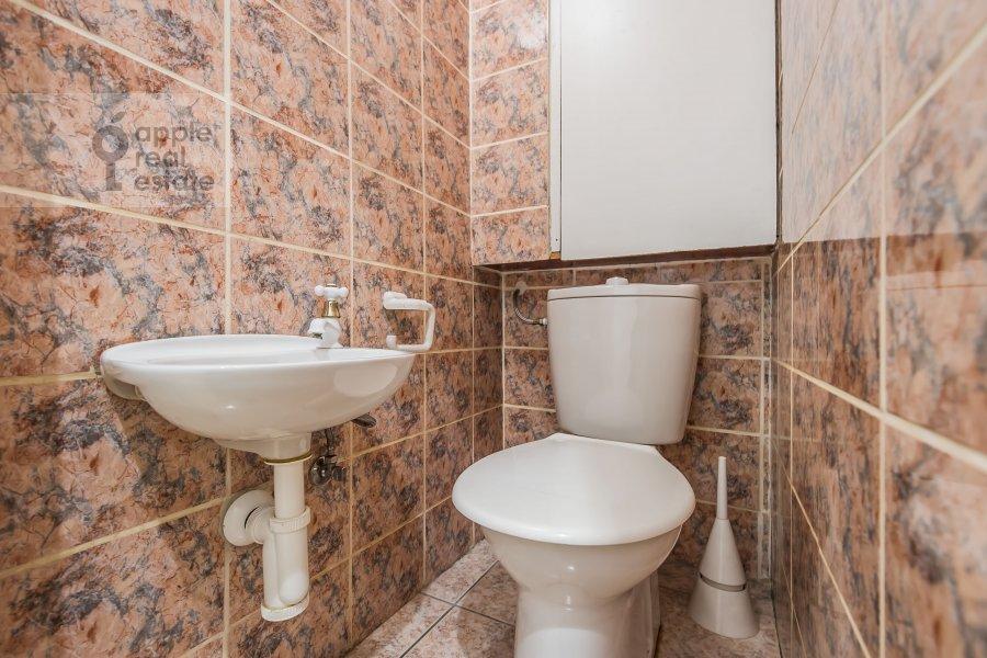 Санузел в 3-комнатной квартире по адресу Гоголевский бульвар 23