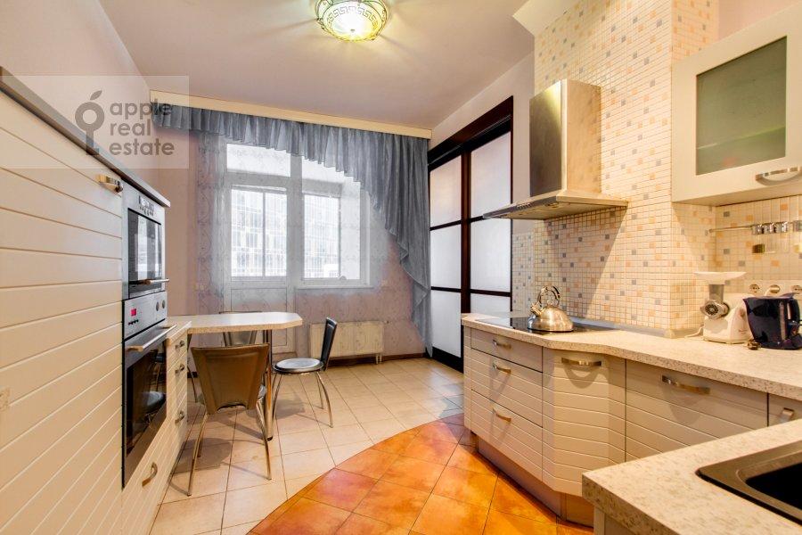 Кухня в 4-комнатной квартире по адресу Шаболовка 23к3