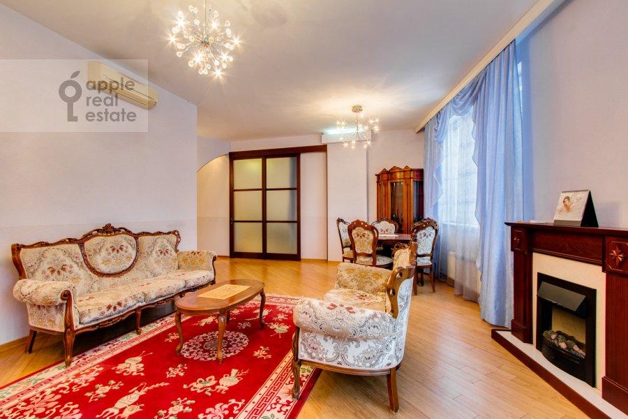 Гостиная в 4-комнатной квартире по адресу Шаболовка 23к3