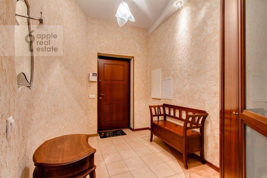 Коридор в 4-комнатной квартире по адресу Шаболовка 23к3