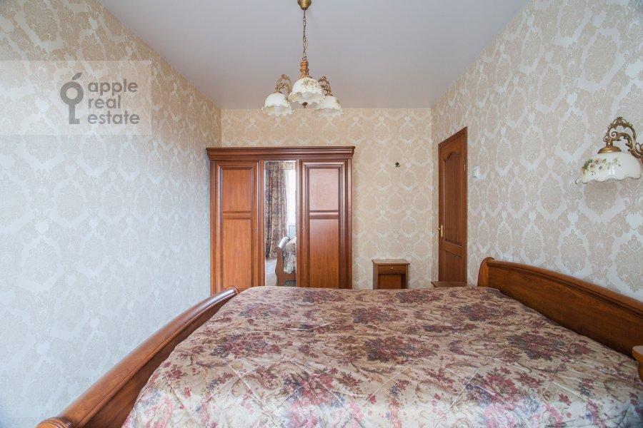 Спальня в 4-комнатной квартире по адресу Гончарный пр. 8/40