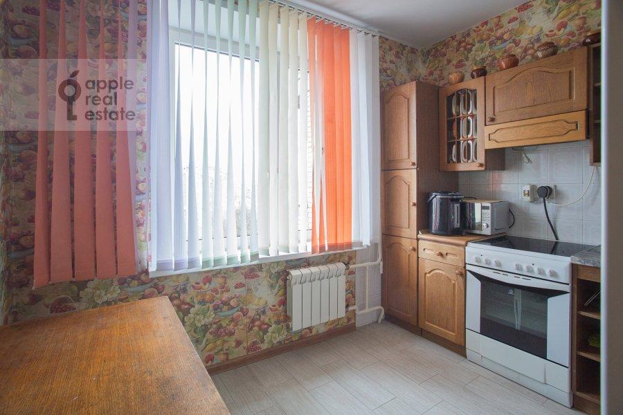 Кухня в 4-комнатной квартире по адресу Гончарный пр. 8/40