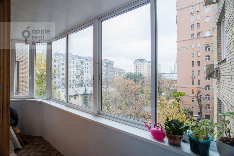 Балкон / Терраса / Лоджия в 4-комнатной квартире по адресу Гончарный пр. 8/40