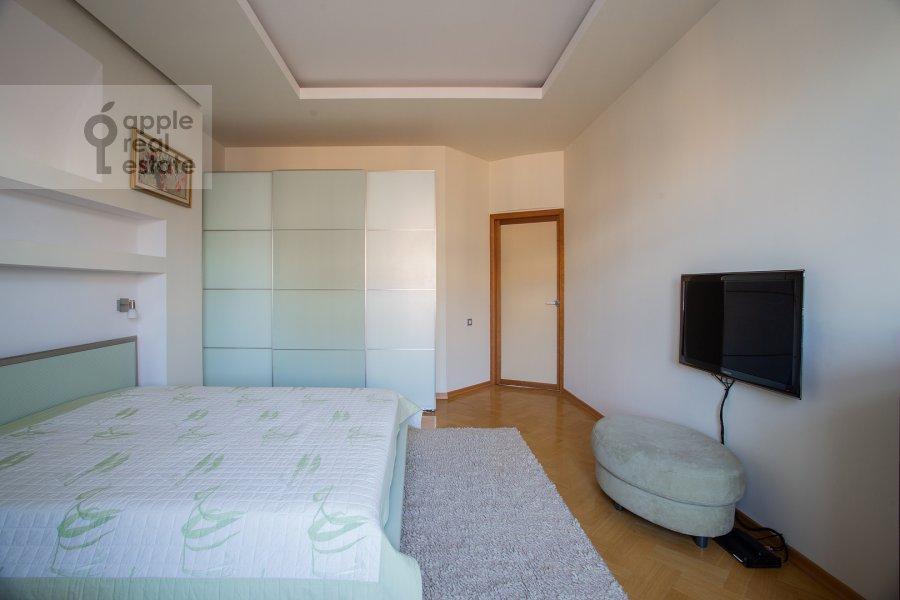 Bedroom of the 2-room apartment at Novinskiy bul'v. 12