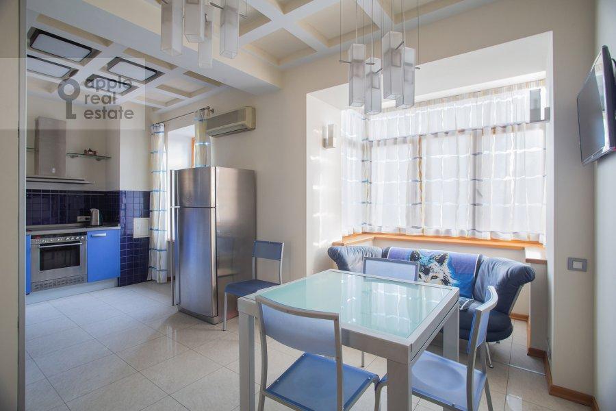 Kitchen of the 2-room apartment at Novinskiy bul'v. 12