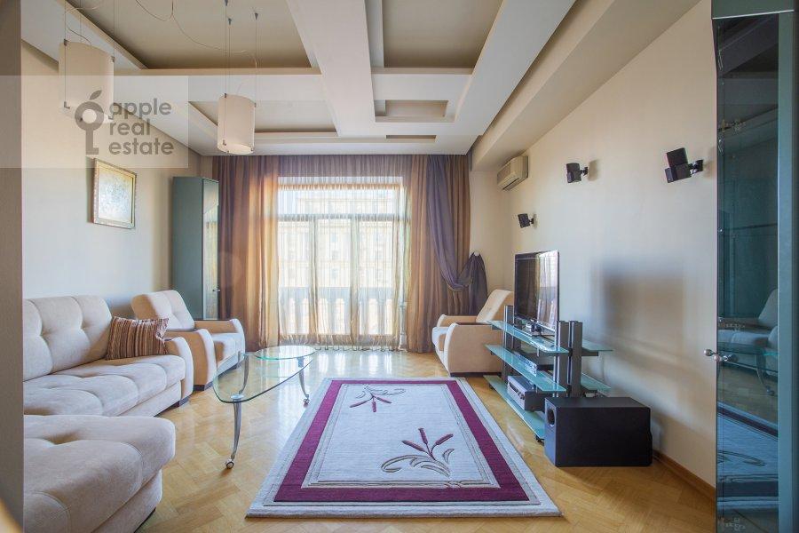 Living room of the 2-room apartment at Novinskiy bul'v. 12
