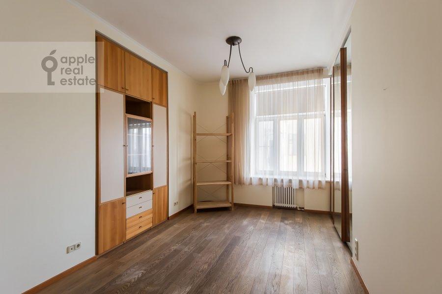 Спальня в 5-комнатной квартире по адресу Калашный пер. 4/1