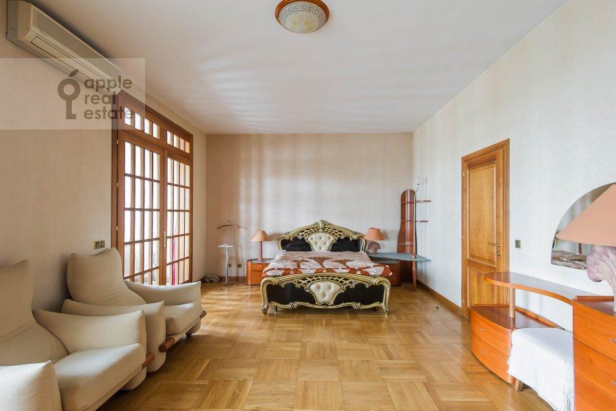 Спальня в 3-комнатной квартире по адресу Лесная ул. 6с1