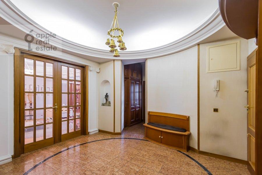 Коридор в 3-комнатной квартире по адресу Лесная ул. 6с1