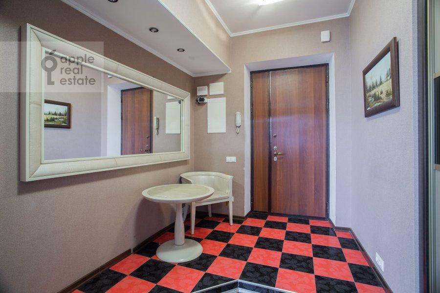 Corridor of the 3-room apartment at Prospekt mira 118