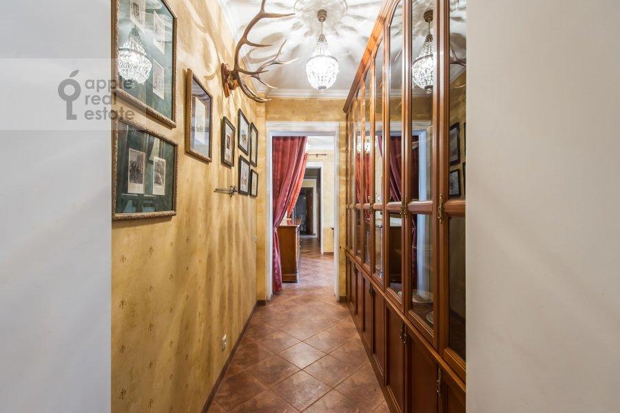 Коридор в 4-комнатной квартире по адресу Новинский бульв. 18c1