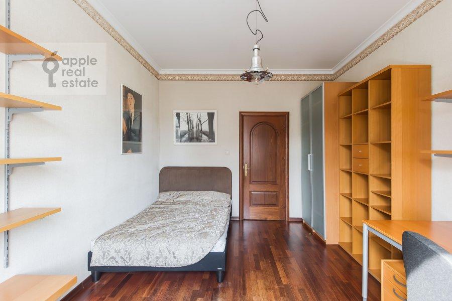 Детская комната / Кабинет в 4-комнатной квартире по адресу Новинский бульв. 18c1