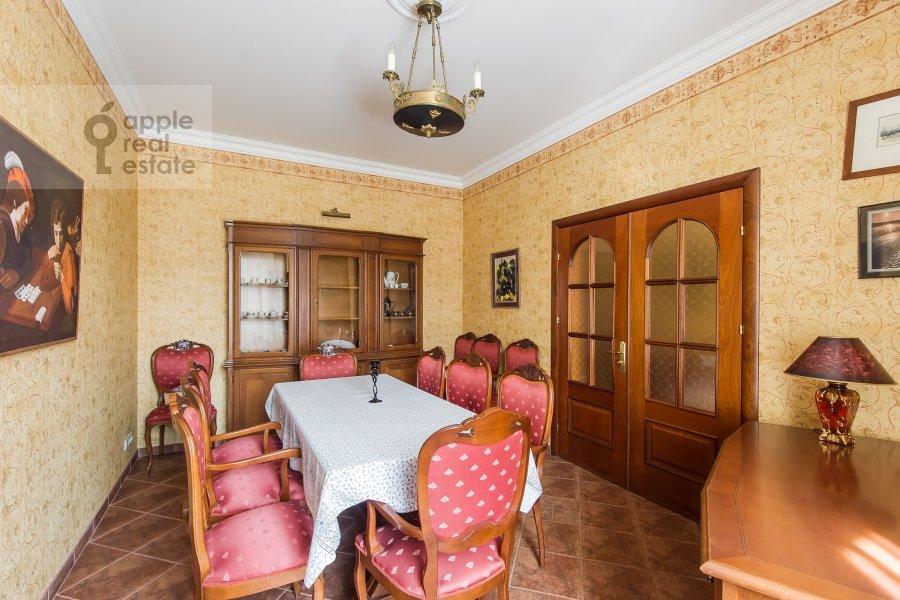 Гостиная в 4-комнатной квартире по адресу Новинский бульв. 18c1