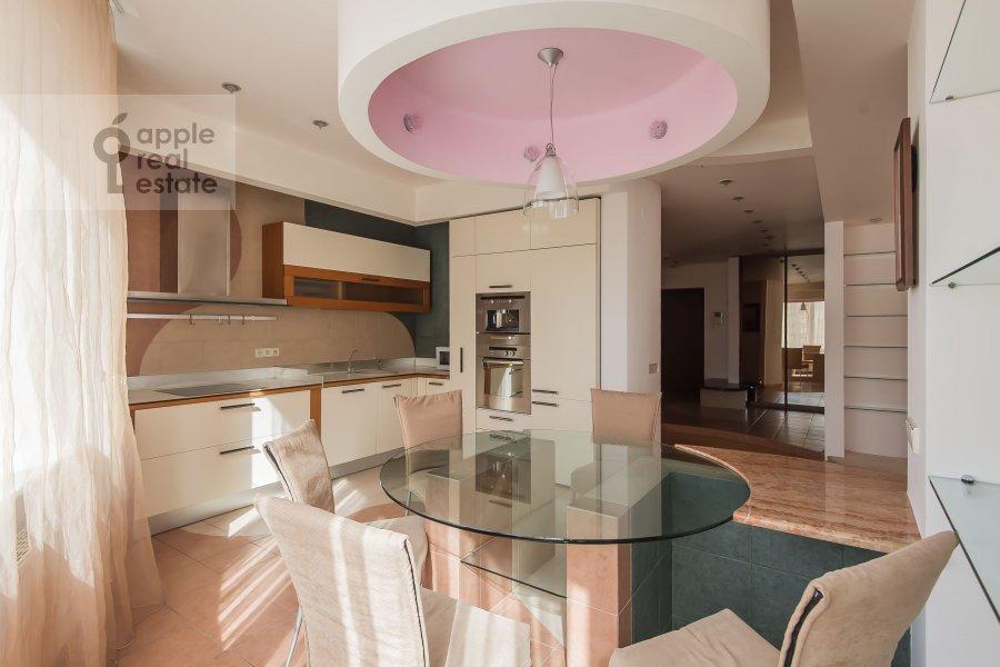 Кухня в 4-комнатной квартире по адресу Ленинский пр-т. 128