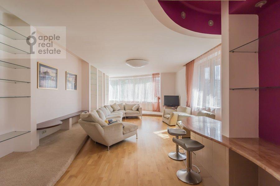 Гостиная в 4-комнатной квартире по адресу Ленинский пр-т. 128