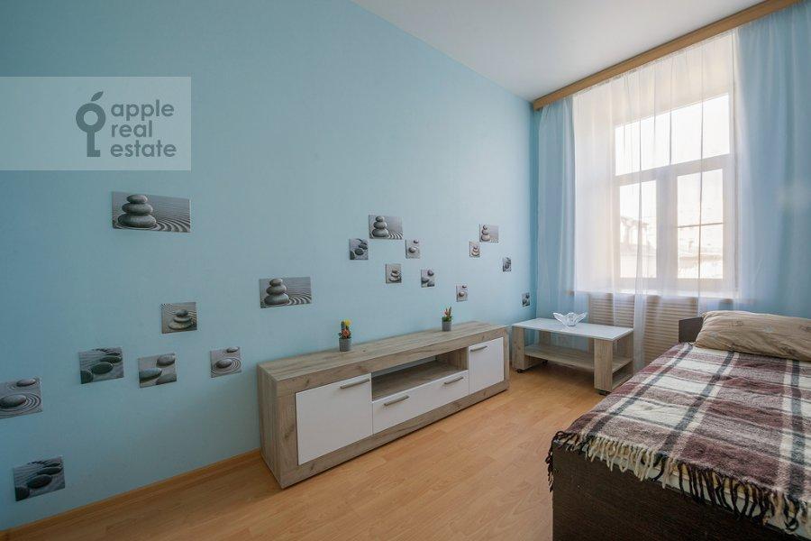 Bedroom of the 3-room apartment at Tverskaya ulitsa 29k2