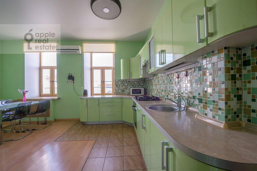 Kitchen of the 3-room apartment at Tverskaya ulitsa 29k2