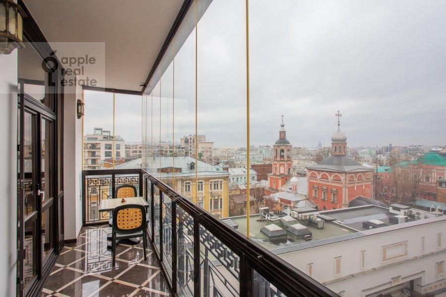 Балкон / Терраса / Лоджия в 4-комнатной квартире по адресу Подсосенский пер. 3к3