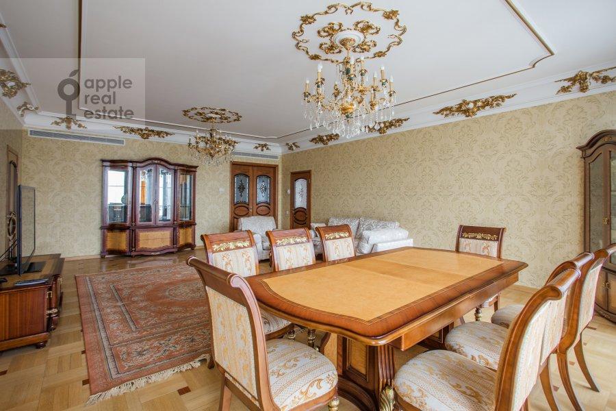 Гостиная в 4-комнатной квартире по адресу Подсосенский пер. 3к3