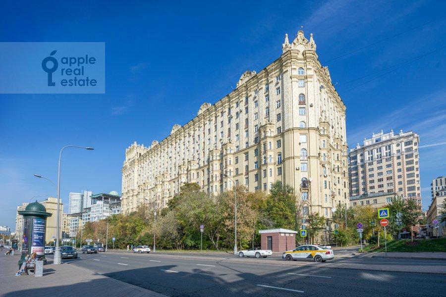 Photo of the house of the 3-room apartment at Smolenskaya naberezhnaya 5/13