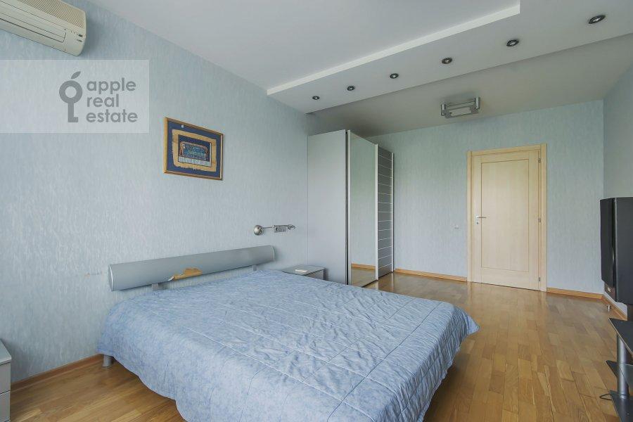 Спальня в 4-комнатной квартире по адресу Пулковская ул. 4 к 3