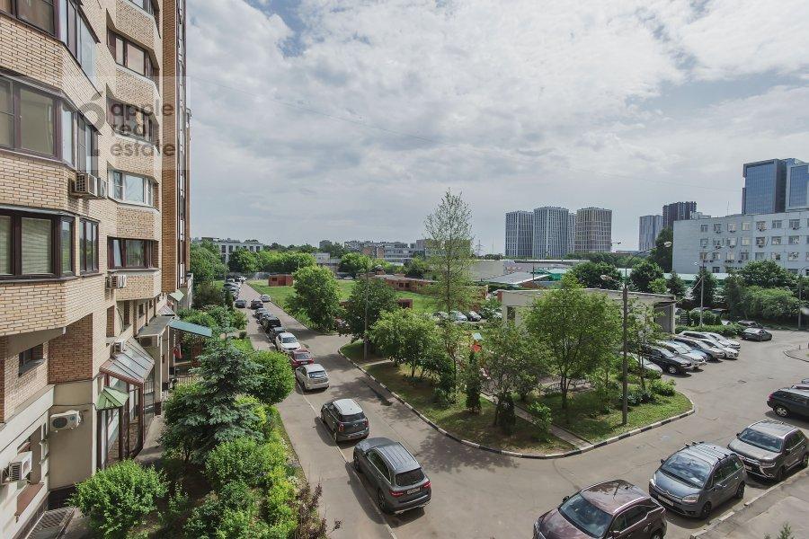 Вид из окна в 4-комнатной квартире по адресу Пулковская ул. 4 к 3