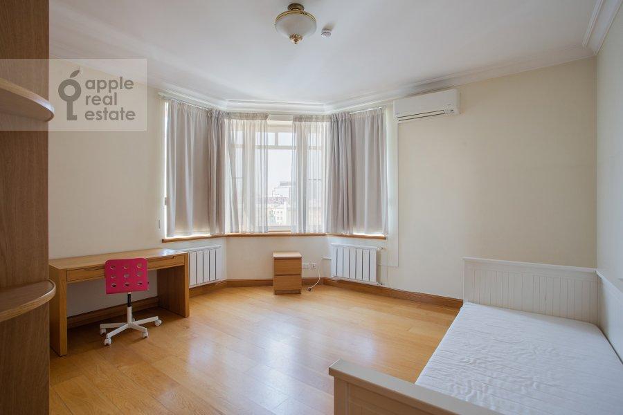 Children's room / Cabinet of the 6-room apartment at 3-ya Tverskaya-Yamskaya ulitsa 44