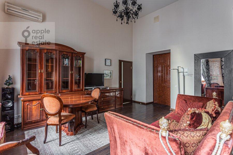 Living room of the 2-room apartment at Tverskaya-Yamskaya 1-ya ul. 18