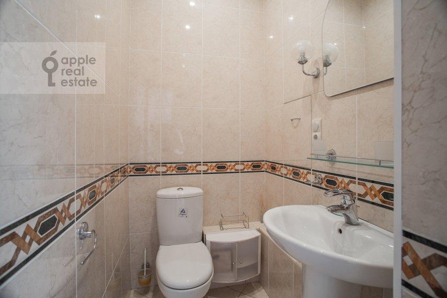 Bathroom of the 3-room apartment at Dmitrovka Malaya ul. 15