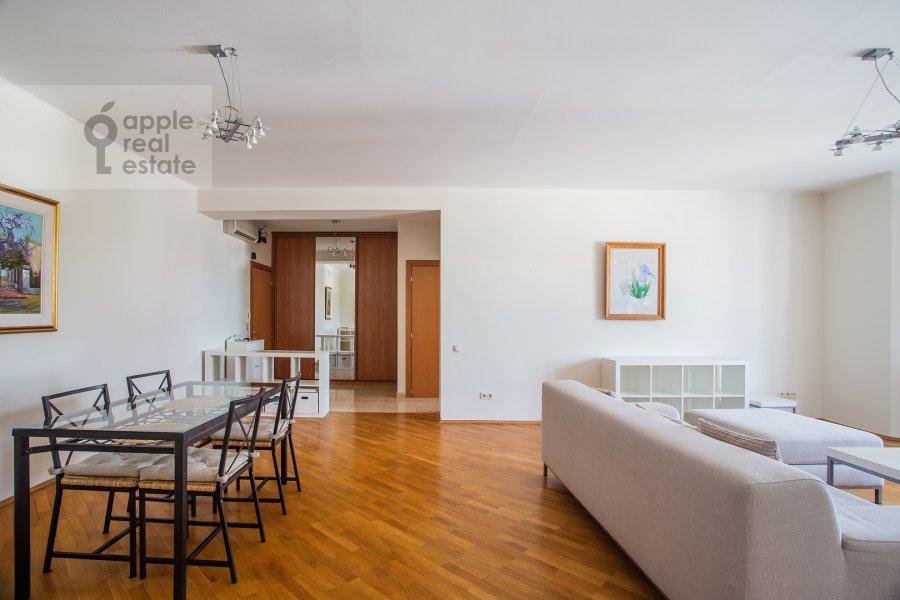 Living room of the 3-room apartment at Dmitrovka Malaya ul. 15