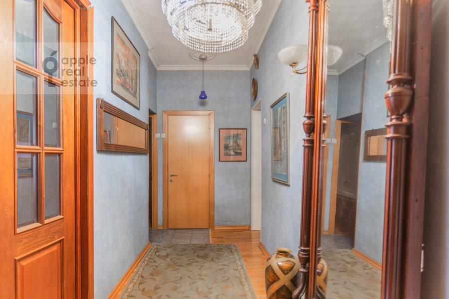 Corridor of the 2-room apartment at Patriarshiy Malyy per. 3