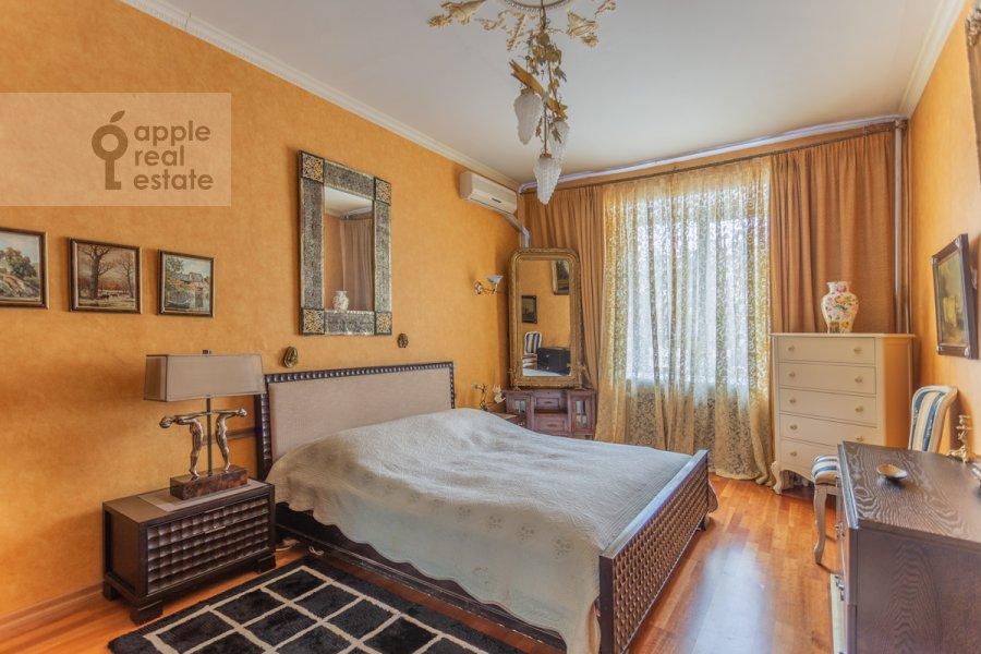 Bedroom of the 2-room apartment at Patriarshiy Malyy per. 3