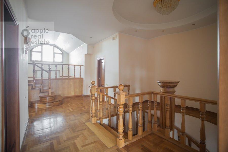 Коридор в 6-комнатной квартире по адресу Обыденский 2-й пер. 11