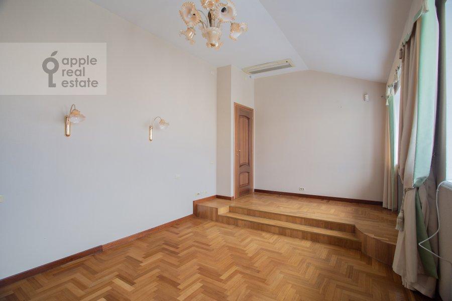 Спальня в 6-комнатной квартире по адресу Обыденский 2-й пер. 11