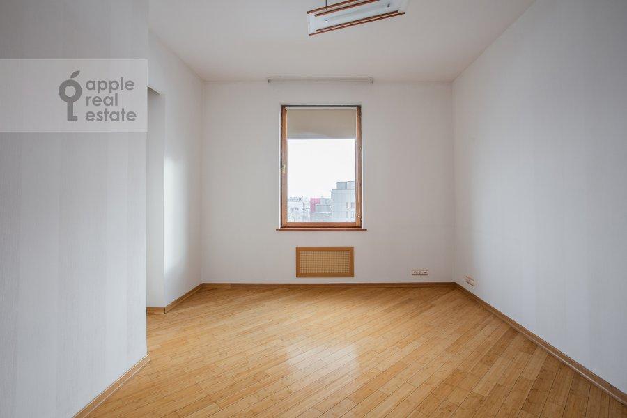 Children's room / Cabinet of the 4-room apartment at Strastnoy bul'v. 10/1