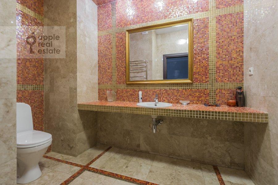 Санузел в 3-комнатной квартире по адресу Вернадского пр-т. 92к1