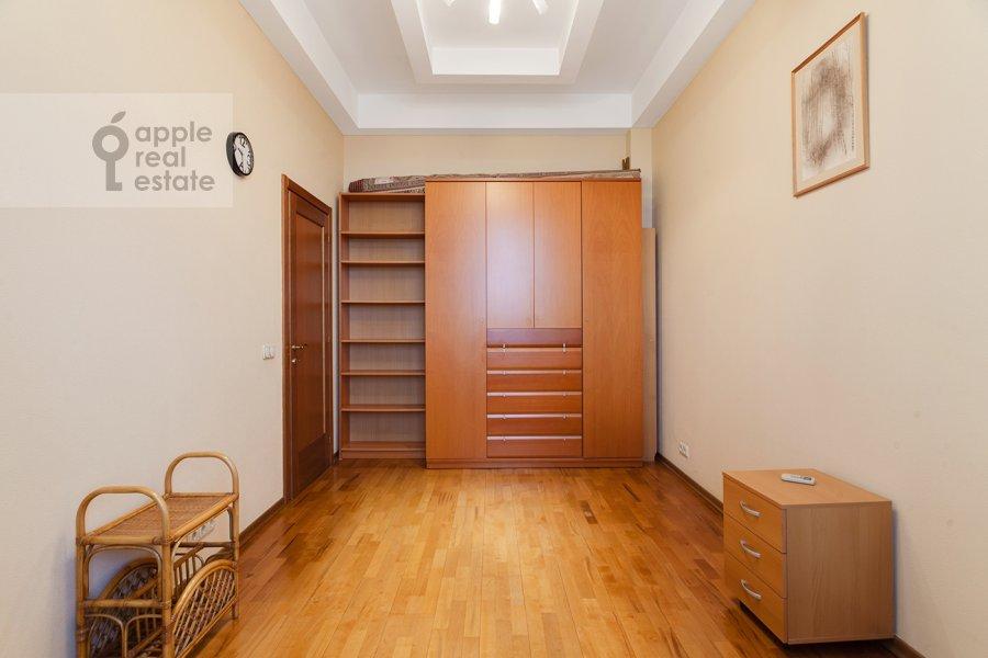 Children's room / Cabinet of the 4-room apartment at Serafimovicha ul. 2