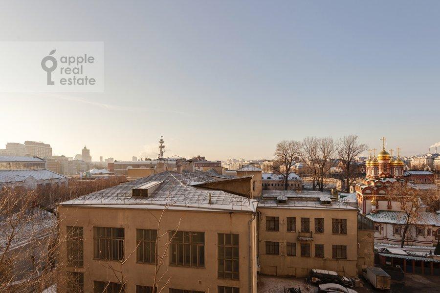 Вид из окна в 4-комнатной квартире по адресу Серафимовича ул. 2