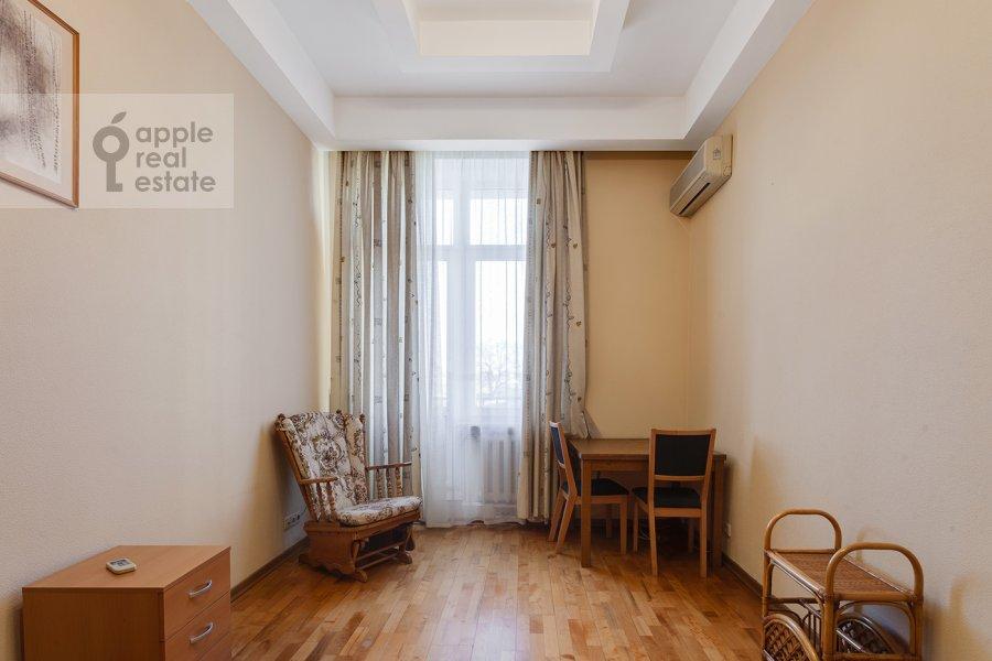 Детская комната / Кабинет в 4-комнатной квартире по адресу Серафимовича ул. 2