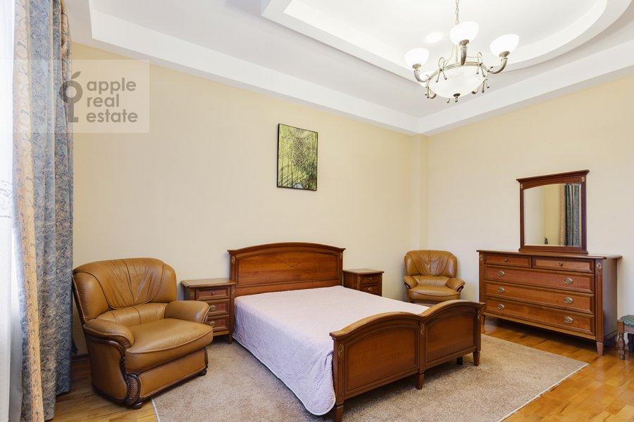 Bedroom of the 4-room apartment at Serafimovicha ul. 2