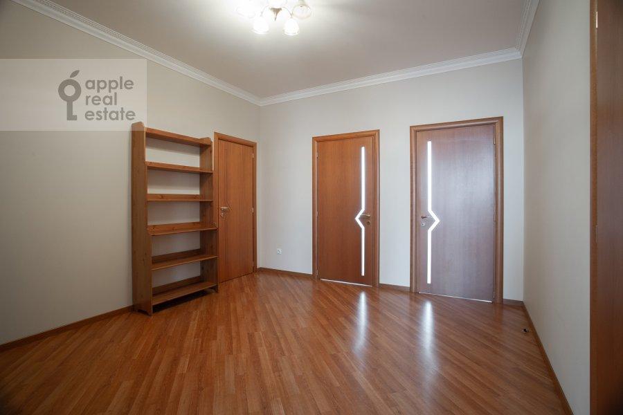 Коридор в 3-комнатной квартире по адресу Поварская ул. 22