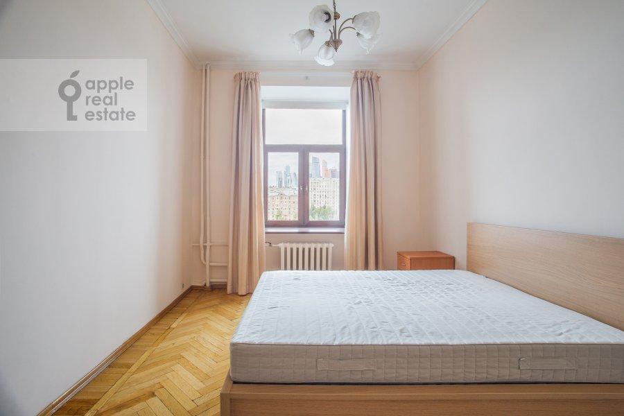Bedroom of the 4-room apartment at Smolenskaya naberezhnaya 5/13