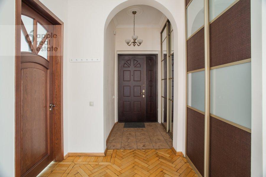 Corridor of the 4-room apartment at Smolenskaya naberezhnaya 5/13
