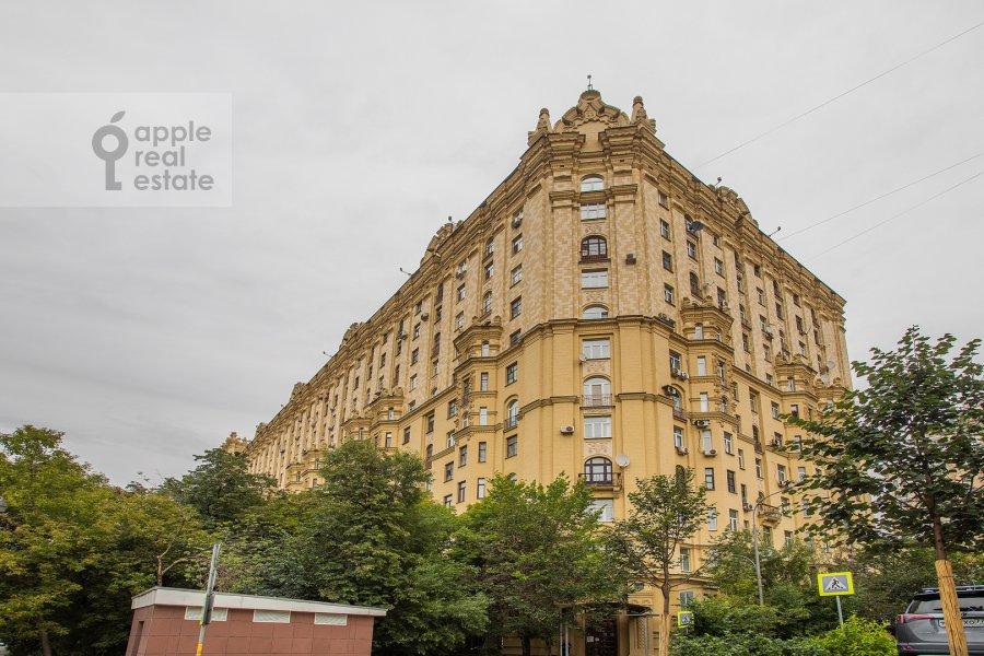 Photo of the house of the 4-room apartment at Smolenskaya naberezhnaya 5/13