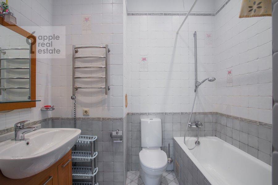 Санузел в 4-комнатной квартире по адресу Тверская-Ямская 4-я ул. 22к2
